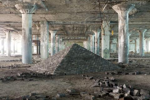 Scott Hocking, Ziggurat East/Fisher Body, Detroit, 2008, Archival digital print.