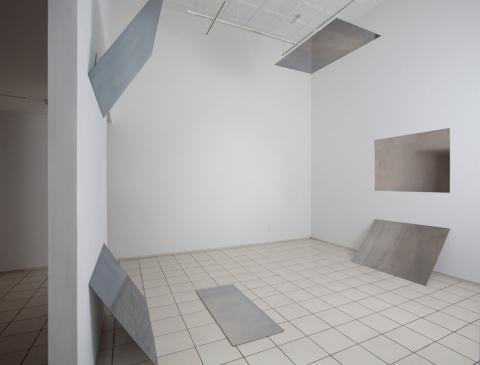 Liz Deschenes, Tilt / Swing (360° field of vision, version 1), 2009